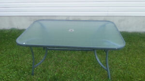 6' patio table, 4 chairs with cushions