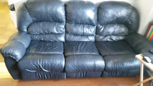 Black Leather Sofa and Matching Loveseat
