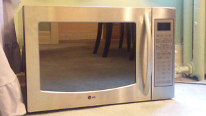 LG oven microwave  480 negotiable