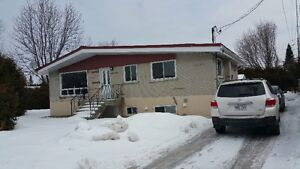 Maison intergeneration  / house for rent in Vimont