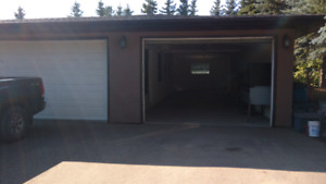 Fall-winter-spring indoor parking, acreage 10 mins west of city