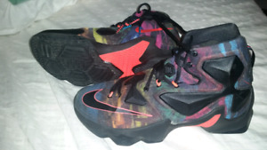 NIKE Lebron James 2015 Size 8.5 Like New