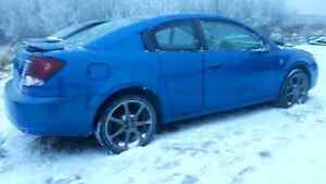 Looking for 07 ford rims and tires or a 5.4 liter engine/T