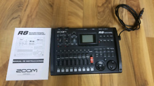Zoom R8 Drum Machine/Sampler/midi controller