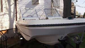 16 FOOT DORAL BOWRIDER WITH TRAILER