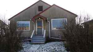 Bungalow for rent in Lamont