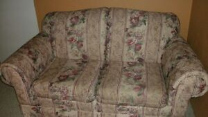 couch and matching loveseat Kitchener / Waterloo Kitchener Area image 2
