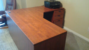 EXECUTIVE HOME / OFFICE WORKSTATION