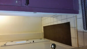 Hamilton Downtown a clean room for rent in a very quite apt $600