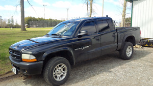 2001 Dodge Dakota Pickup Truck