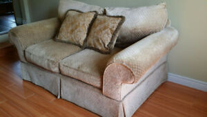 Love Seat and Couch Matching set