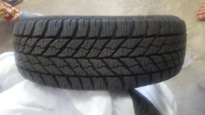 Aubaine!!! 4 pneus d'hiver usage limité 215/60R16