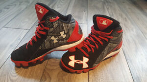 Baseball Cleats - Under Armour - Size 1Y