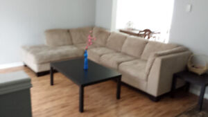 FEMALE STUDENT ROOM RENTAL - $425 - WIFI INCLUDED,  May 1st