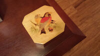Vintage Wood Trinket, Jewelry Or Sewing Box With Birds On Top, V