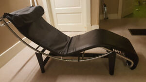 LC4 Chaise Lounge Chair..All Leather..