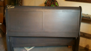 Queen size sleigh style bed frame