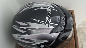 casque de motoneige xl xpeed en très bonne condition