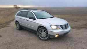 "06 Chrysler Pacifica AWD SUV, low kms, loaded,3 rows, 20"" wheels"