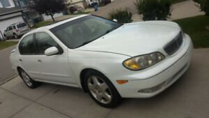 2000 Infiniti Other Luxury Sedan w/ Winter + All Season Tires