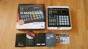 Open-Box MASCHINE MK2  Mint Condition + Gator Gmix 1515 Case