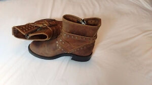 Boulet boots 350 obo (bought for 400)