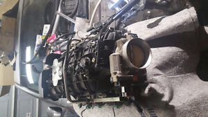 2010 Sierra  4.8l v8 intake manifold  with fuelrail