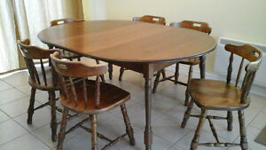 Solid wood table +6 chairs