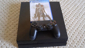 PS4 + Bloodborne + 1 Controller Lightly used