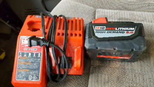 Milwaukee 9.0  High Demand Battery ( Like New )