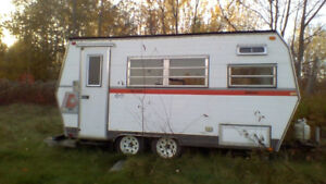 GREAT DEAL! 19'' Travel Trailer, with NEW solar panel + battery