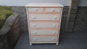 PAINTED 5 DRAWER WOOD DRESSER