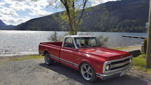 1969 Chevy C10 454 TH400 lowered on 20s