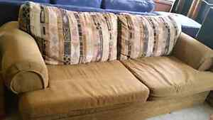 Very comfortable couch great shape  60 dollars Peterborough Peterborough Area image 3