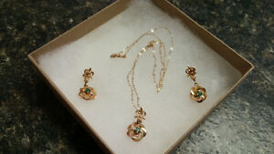 "Vintage 14k gold 16"" necklace and earring set"