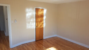 Bright 2 bedroom for rent / NDG / Upper duplex with Balcony