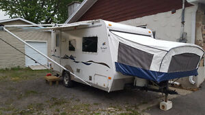 *** EXTRA CLEAN Roulotte hybride 17' 2005 ***