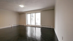 1 BR + 1BA - Recently renovated - West Toronto Lakeshore - $1950