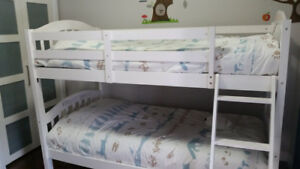 Bunk Bed - Twin over twin - Solid wood, white with ladder