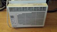 Air Climatisé / Air Conditioner 5,250 BTU