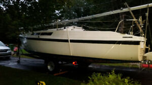 25' Macgregor sailboat