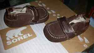 Robeez leather shoes size 3
