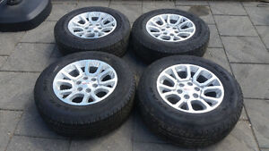 GMC / CHEVROLET  TRUCK / SUV FACTORY ALLOY WHEELS/TIRES $1400.00