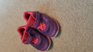 Size 4w toddler shoes champion