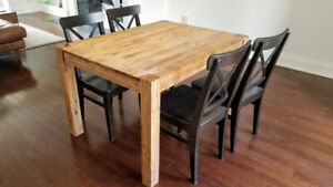 Small Structube Hamburg Dinning Table Perfect For Apartments