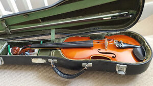 A.R. Seidel 4/4 violin with bow and leather Jaeger case