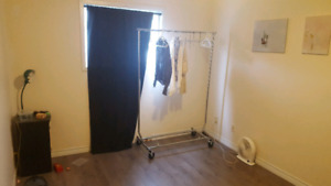 All INCL North End Room in 2 BDRM APT