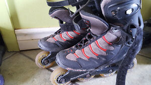 4 pairs of roller blades différent sizes