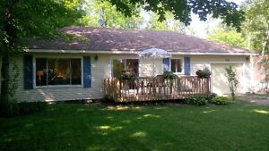 POINT CLARK COTTAGE RENTAL BETWEEN KINCARDINE /GODERICH