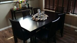 Dining Room Table Set Excellent Condition